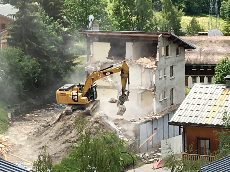 Phase 1 démarrage des travaux : démolition - Les Chalets de la Combe